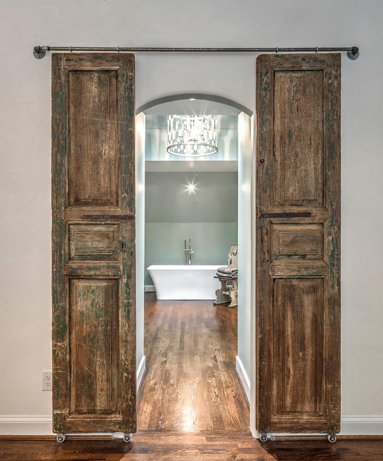Barn+Doors+to+master+bath