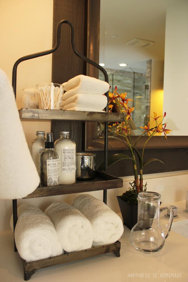 Bathroom-at-the-2014-HGTV-Dream-Home