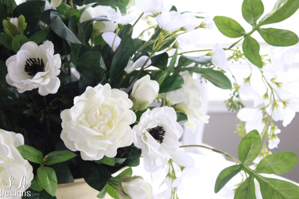 14 Ideas To Style Your Home For Spring gardenias peonies ranunculus